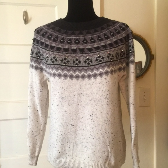 Oatmeal sweater with embellished beaded collar